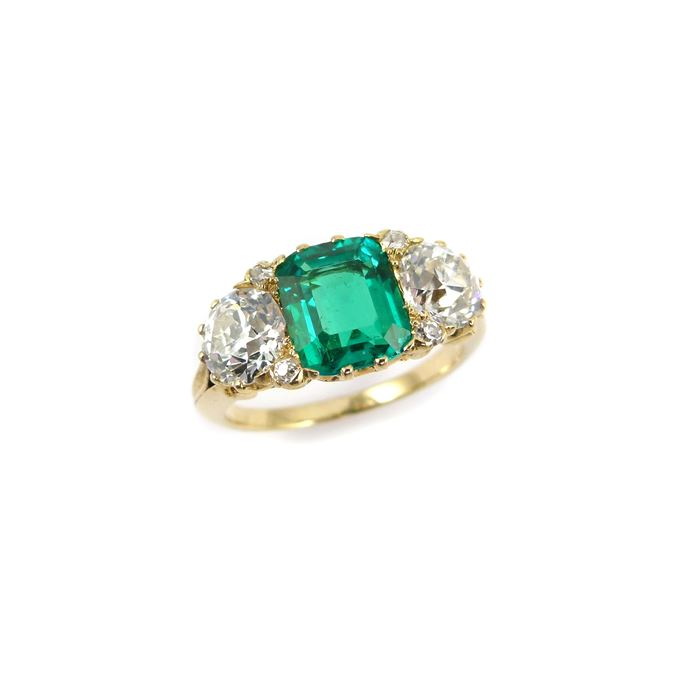Antique emerald and diamond three stone ring | MasterArt